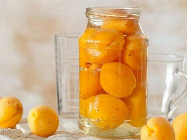 Компот из абрикосов на зиму простой рецепт на 3 литровую банку