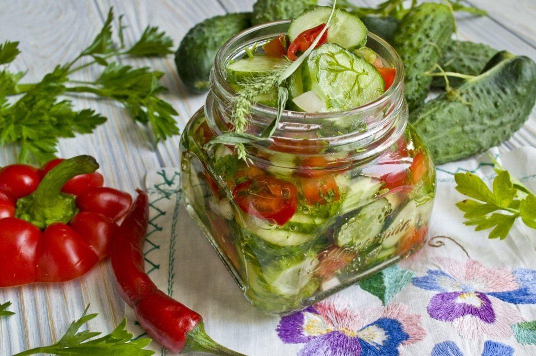 Салаты из огурцов и помидоров на зиму: самые вкусные рецепты с фото